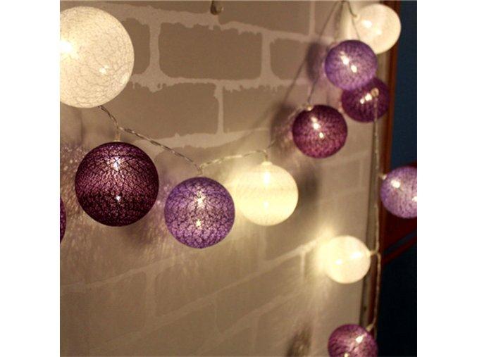 Světelný řetěz z LED koulí