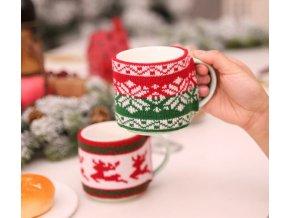 Vánoční dekorace do kuchyně- krásný pletený obal s knoflíkem na hrneček s Vánočním motivem- 4 varianty