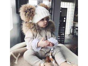 Dětské oblečení- teplá bílá čepička s odepínací bambulí- Vhodný jako dárek