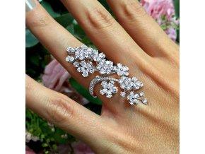 Pro ženy- luxusní velký prsten s kamínky- Vhodný na ples, svatbu