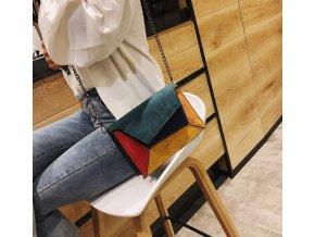 Dámská dívčí kabelka s řetízkovým popruhem- více barev