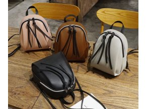 Dámský batoh s třásněmi- pro ženy a dívky