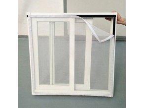 Bílá síť do oken proti hmyzu