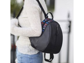 Dámský batoh - černý batoh s barevným nápisem love - dárky pro ženy