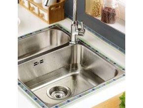 Kuchyně - dřez - vodotěsná lepící páska proti plísním do kuchyně nebo koupelny - lepící páska
