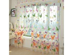 Záclona s motýly