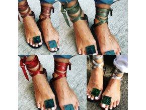 Boty - dámské boty - dámské letní sandály na zavazování s ozdobou mezi palcem - dámské sandály - sandály