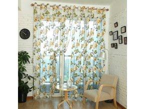 Záclona s tulipánovým motivem