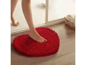 Malý chlupatý koberec ve tvaru srdce
