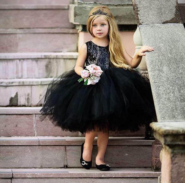 Spoločenské elegantné plesové šaty tylové pre dievčatá čierne - FLARO.SK e6c8e413e43