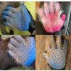 Masážní rukavice pro vyčesávání srsti psů a koček- na pravou ruku