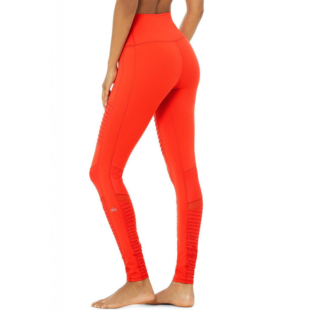 Alo Yoga magas derék Moto jóga és fitnesz nadrág Cherry Red piros (Ruházat mérete S)