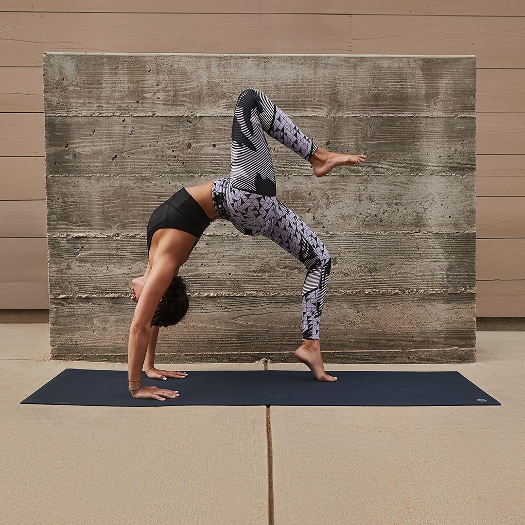 Ako sa rozhodovať pri výbere oblečenia na jogu