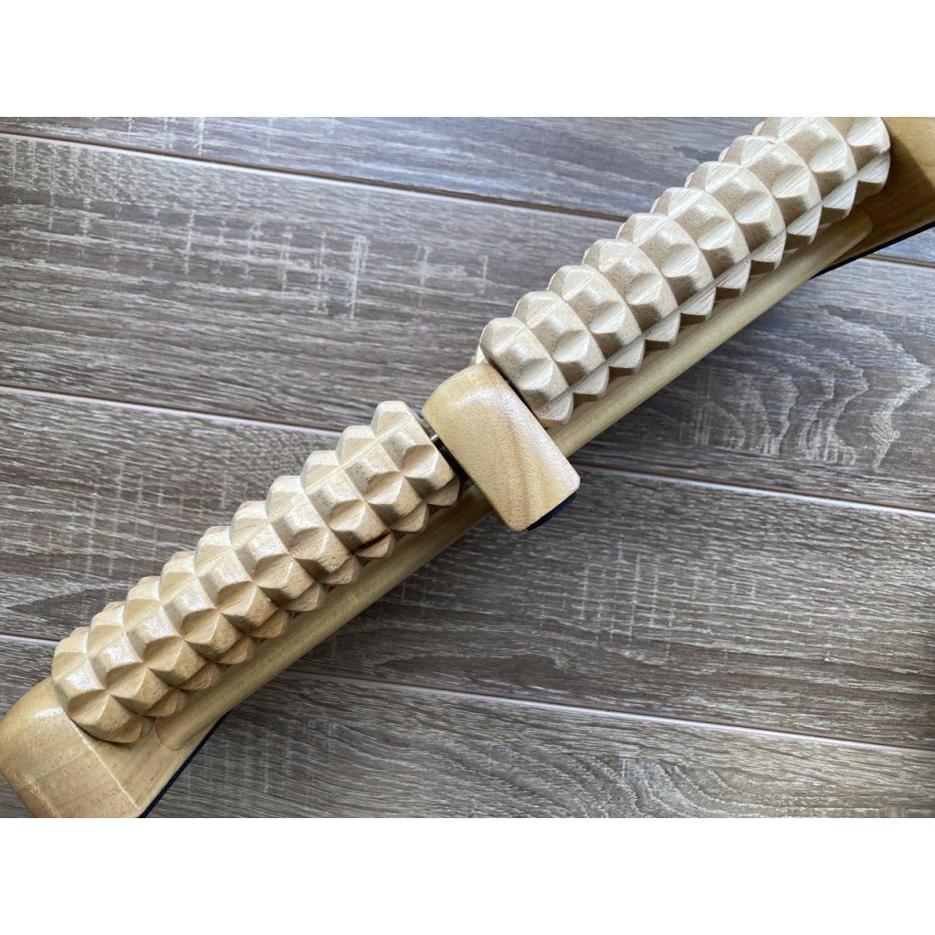 Bodhi Masážny drevený valček na nohy 31 x 12 x 5 cm