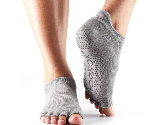 Objedajte si Toesox Halftoe Low rise Grip protišmykové ponožky (Heather Grey) za 14,49 Dovoz od 75 EUR zdarma, doručenie do 2 dní, 98% spokojnosť, 100 dní na vrátenie. 659 1