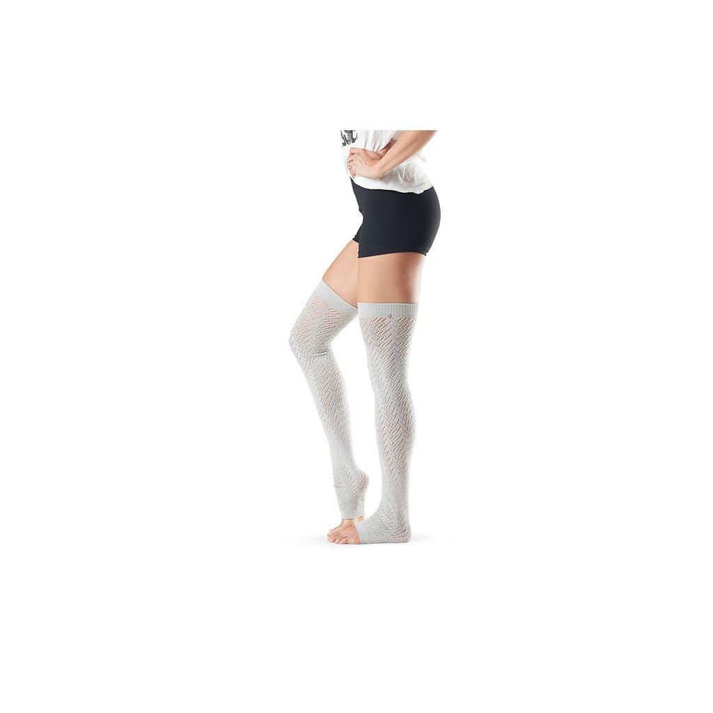 Toesox Legwarmers Farrah Platinum - covers the calf1976