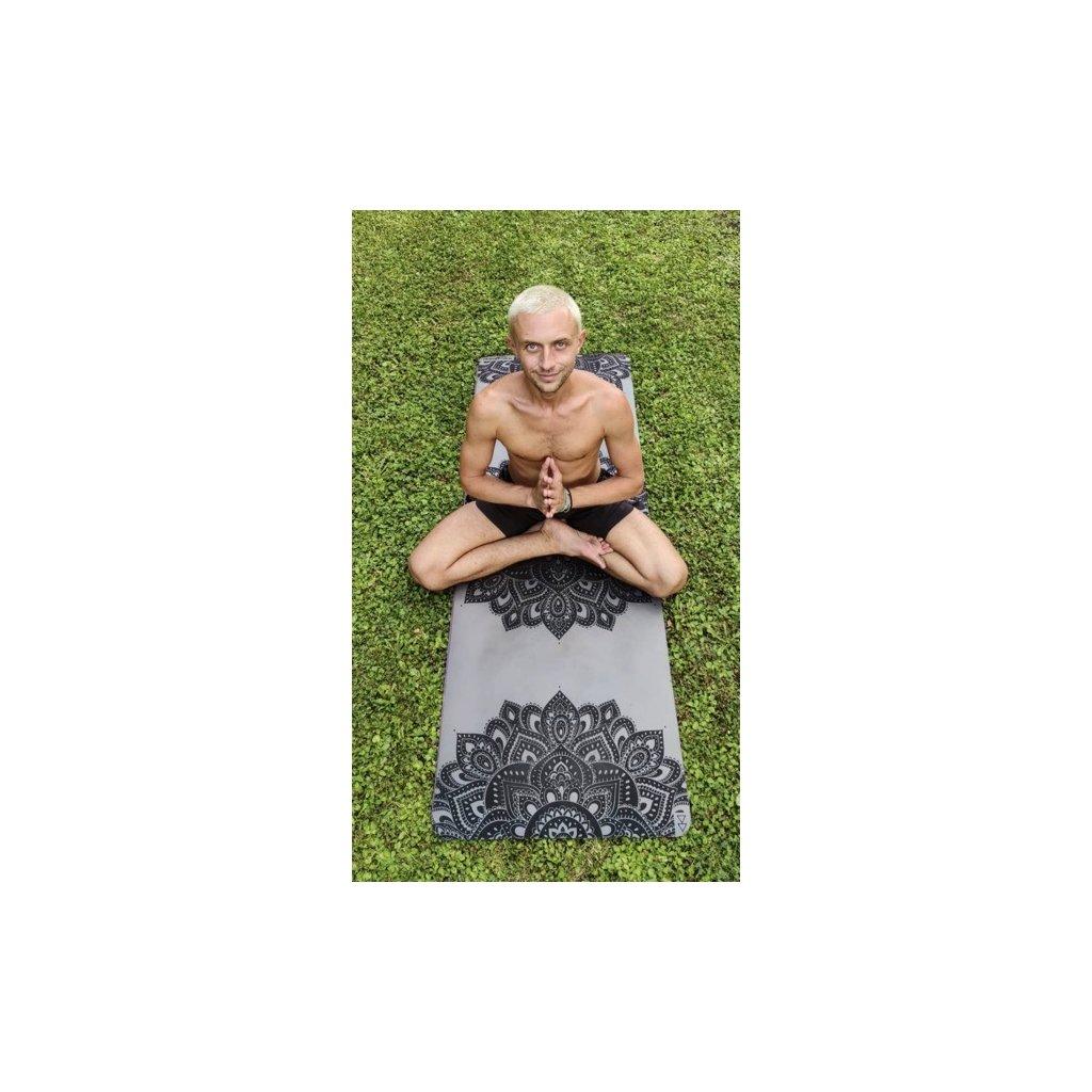 1611 10 yoga design lab the infinity mat mandala charcoal 5 mm joga podlozka