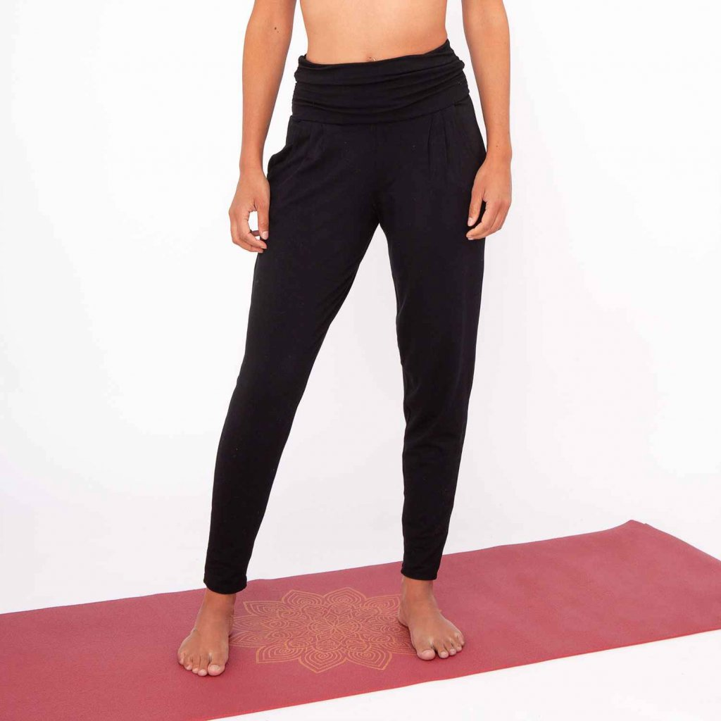 fa00a yamadhi loose pants black front2 (1)