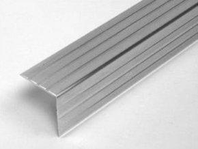 Rohový Al profil 30x30x1,5 mm pro výrobu přepravních obalů.