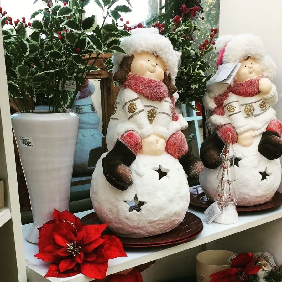 Vánoční sortiment v nabídce: dekorace, ozdoby, svíčky