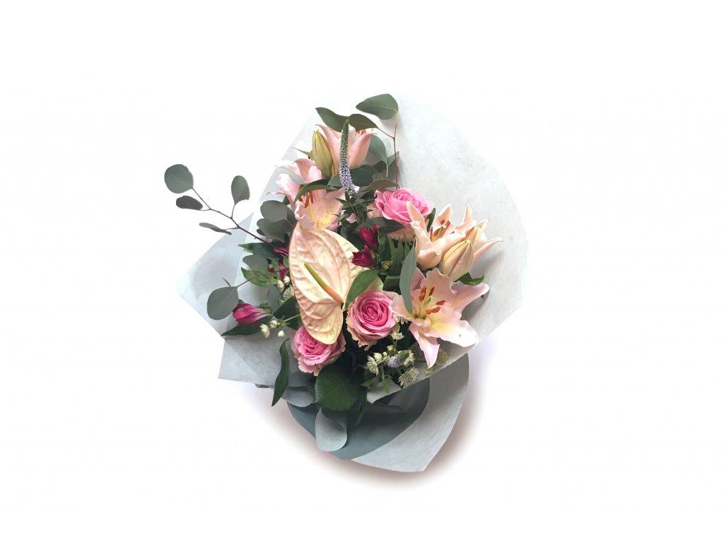Kytice Alice - anturie, růže, lilie, eucalyptus