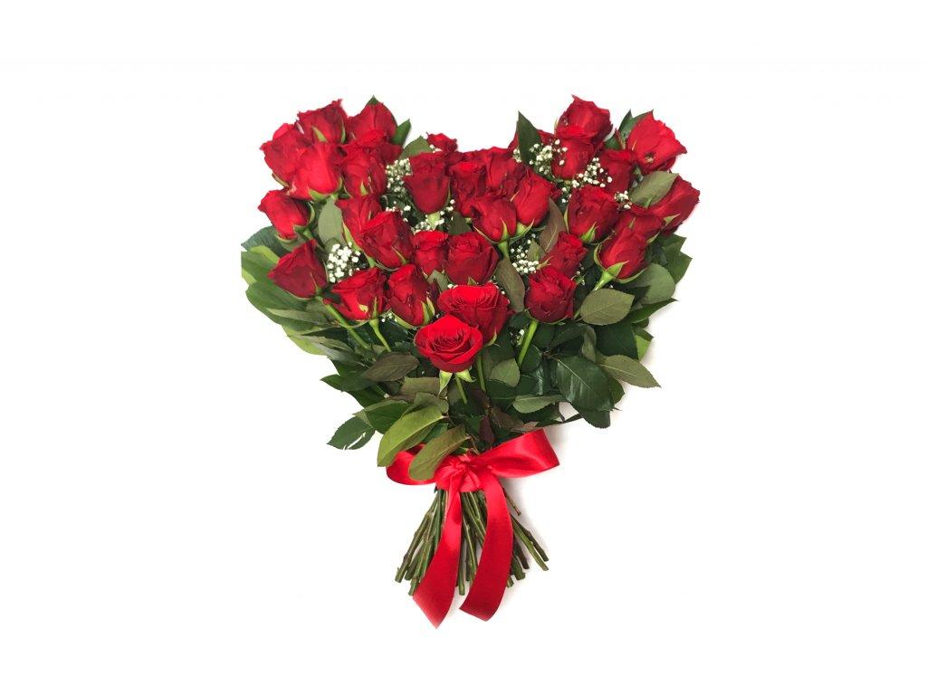 Kytice ve tvaru srdce - růže, gypsofila