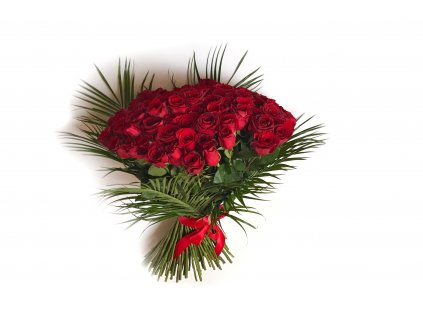 Ema - kytice ze 100 růží