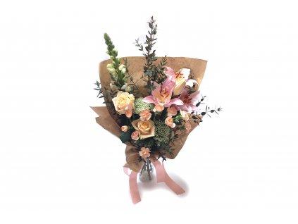 Narozeninová kytice Monika - lilie, růže, hledík, minikarafiát
