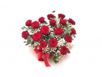 Červené růže ve flowerboxu tvaru srdce