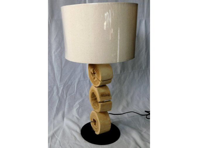 Drevena lampa Seram pohled