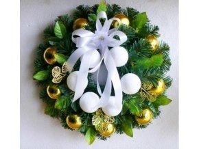 Umělý vánoční věnec Trento (40cm)