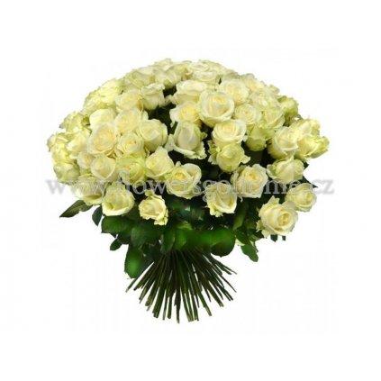 Kytice bílých růží