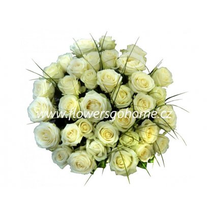 30 bílých růží
