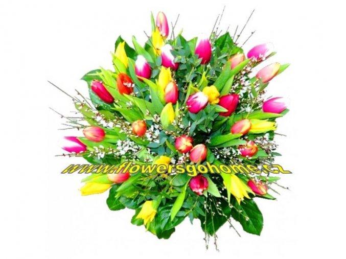 Tulipány s eukalyptem