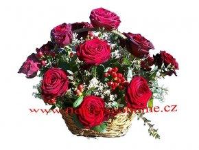 Valentýnský květinový koš