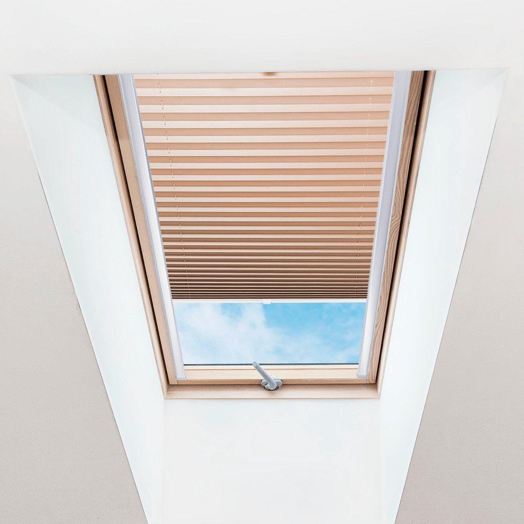Roleta Plisé na střešní okna, s profilem Classic, Průsvitná, Cappuccino, P 005 detail