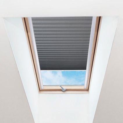 Roleta Plisé na střešní okna, s profilem Decor, Blackout, Tmavě šedá žíhaná, P 1-7955 detail