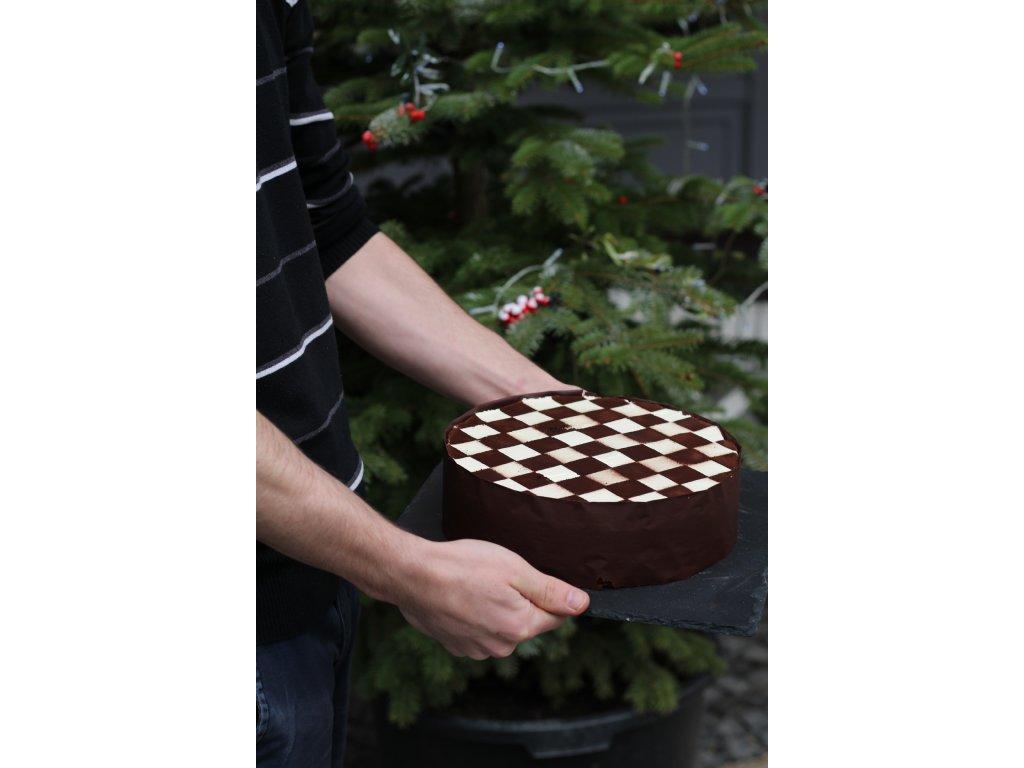 Šachovnicový dort
