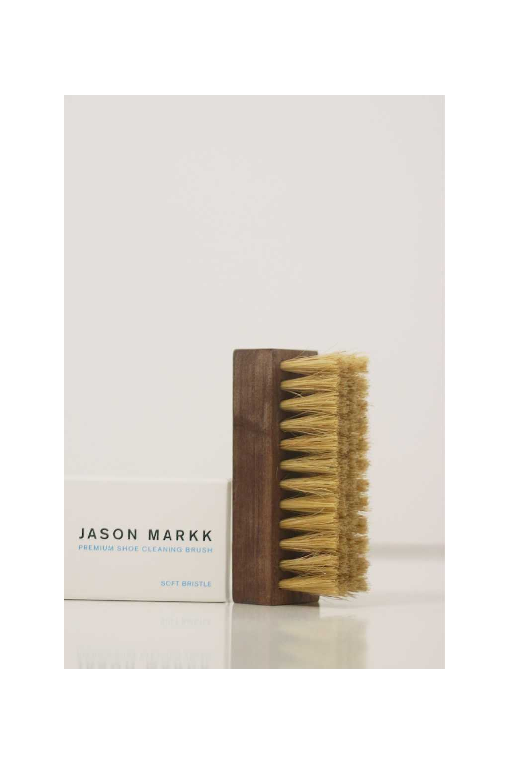 kartac-na-boty-jason-markk-premium-cleaning-brush