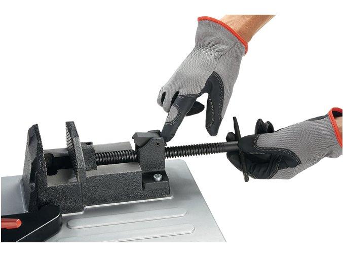 Pásová pila na kov s výkyvným pilovým ramenem (FLEX SBG 4910)