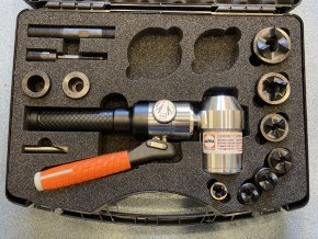 Ruční hydraulická pumpa příčná se sadou Tristar M16 - M40 +PG16+PG21