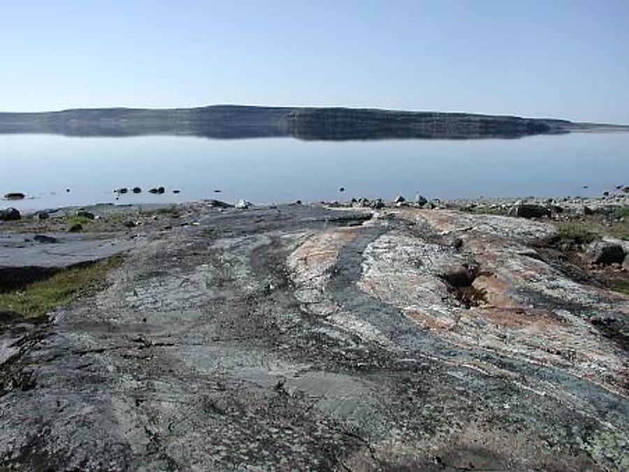 Nuvvuagittuq-nejstarsi-hornina-na-svete