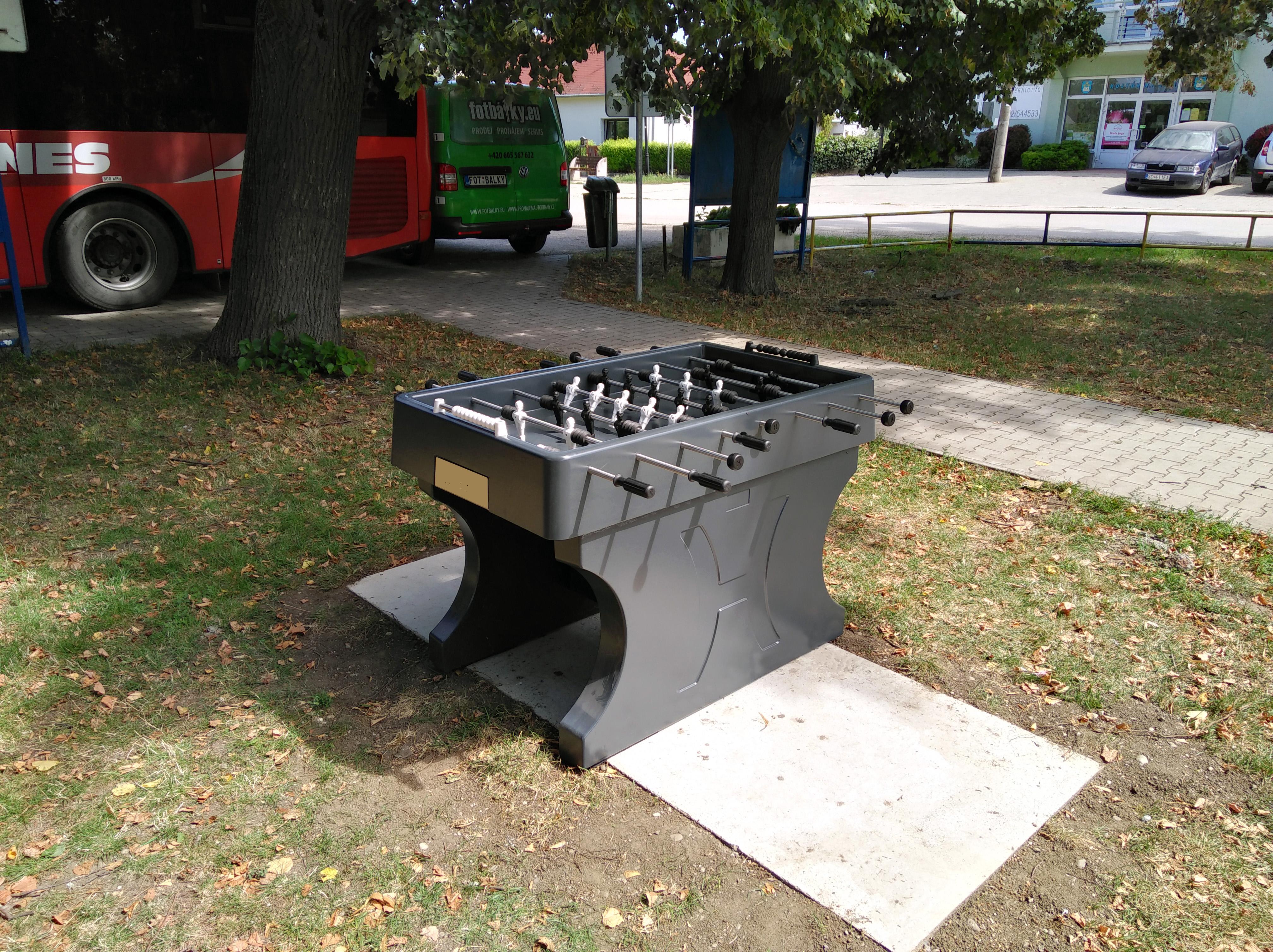 Venkovní stolní fotbálek do parku, škol apod.