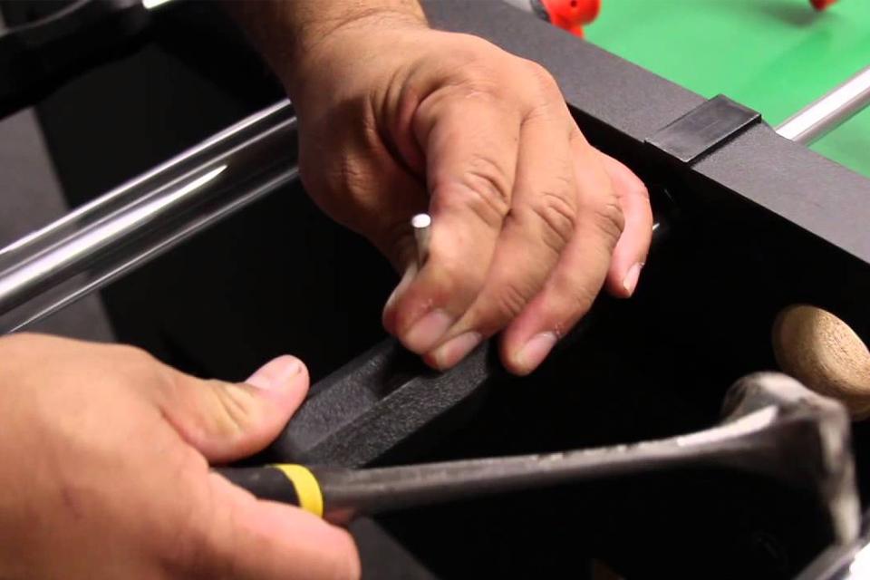 Jak vyměnit rukojeti u stolního fotbálku