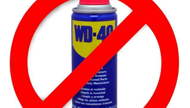 Nepoužívejte sprej WD40