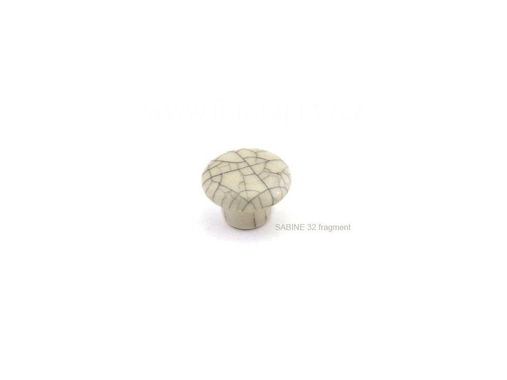 porcelánový knopek ELISA 38, SABINE 32 fragment