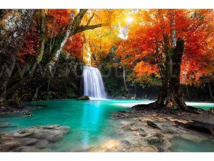 fototapeta Vodopád hluboko v lese