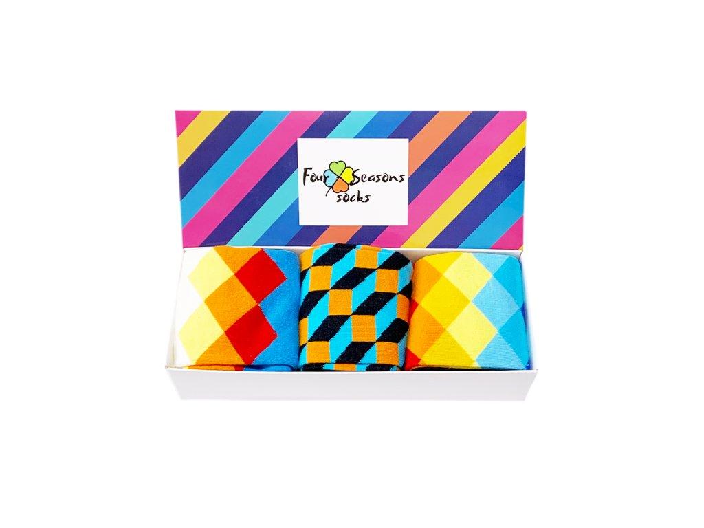 Dárková krabička s pruhy + 3ks ponožek