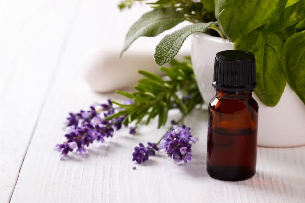 essential-oil-lavender-flowers_67618-526