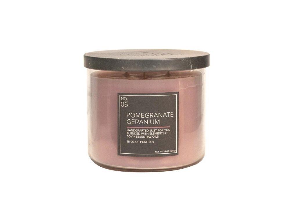 Village Candle Vonná svíčka ve skle, Granátové jablko a muškát - Pomegranate Geranium,15oz